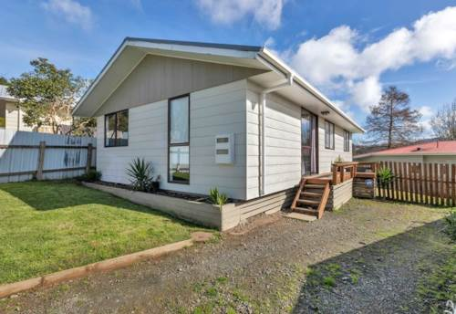 Raumanga, Tidy Three Bedroom home, Property ID: 43001104 | Barfoot & Thompson