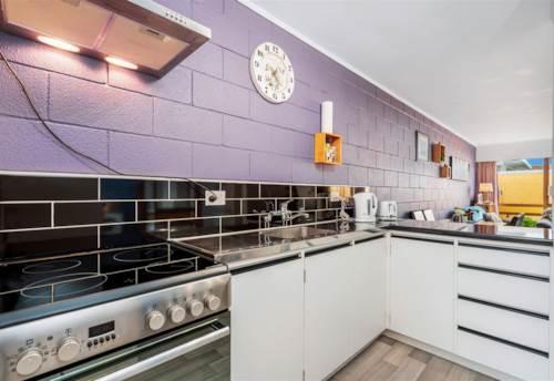 Kensington, Stunning one bedroom unit, Property ID: 43001145 | Barfoot & Thompson