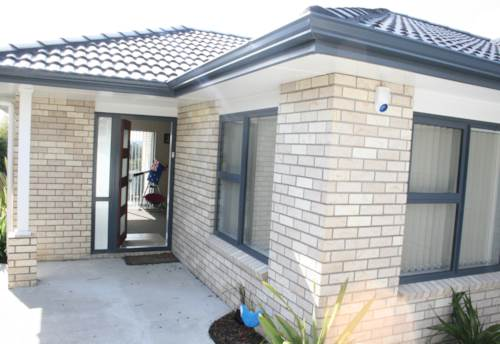 Mt Wellington, Brick & Tile, modern, 4 bedroom family home, Property ID: 45001185 | Barfoot & Thompson