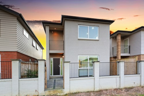 Flat Bush, Near new, Spacious 4 Bedroom Home in the fast growing Ormiston area, Property ID: 45001258 | Barfoot & Thompson