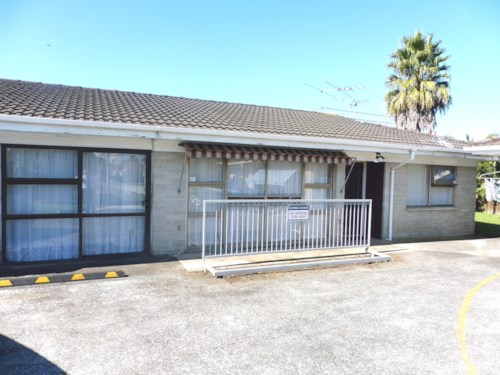 Papatoetoe, 3 BEDROOM UNIT IN PRIME LOCATION , Property ID: 45001317 | Barfoot & Thompson