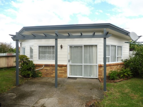 Papatoetoe, TIDY 1 BEDROOM IN PRIME LOCATION , Property ID: 45001322 | Barfoot & Thompson