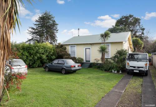 Mt Wellington, 2 Bedroom Family home in Central Mt Wellington, Property ID: 45002443 | Barfoot & Thompson