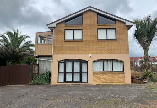 Mt Wellington, Large Family Home in Mt Wellington , Property ID: 45002464 | Barfoot & Thompson