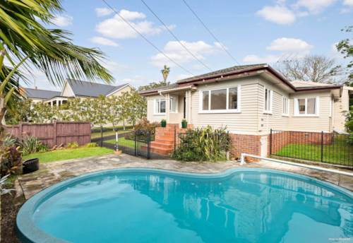 Mt Eden, STUNNING HOME IN THE HEART OF MT EDEN , Property ID: 45002466 | Barfoot & Thompson
