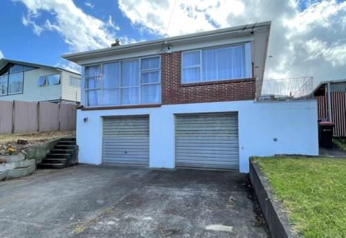 Mt Wellington, Beautifully renovated 4 bed family home, Property ID: 45002472 | Barfoot & Thompson
