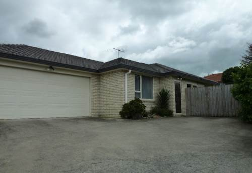 Pukekohe, Hill School zone, Property ID: 46000928 | Barfoot & Thompson