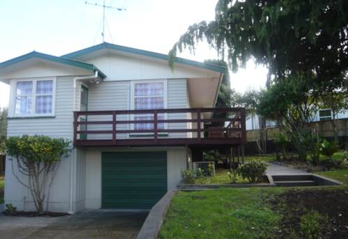 Pukekohe, Well presented home, Property ID: 46000929 | Barfoot & Thompson