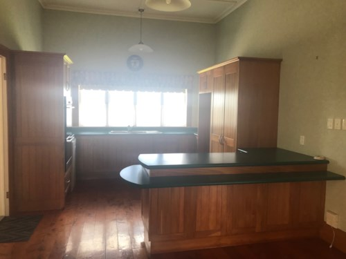Pukekohe, LARGE CHARACTER HOME, Property ID: 46000950 | Barfoot & Thompson