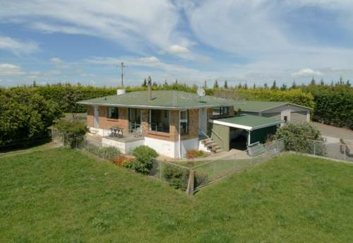 Clarks Beach, WAIAU PA - COUNTRY LIFESTYLE WILL ALL THE BENEFITS, Property ID: 46001018 | Barfoot & Thompson