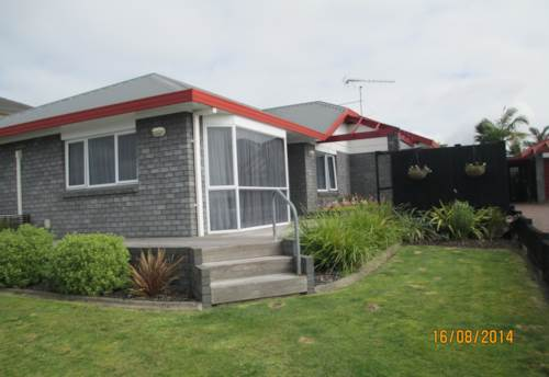 Pukekohe, SUCH A LOVELY HOME, Property ID: 46001031 | Barfoot & Thompson