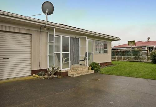 Pukekohe, OH SO HANDY, Property ID: 46001048 | Barfoot & Thompson