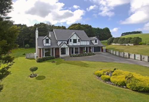 Waiuku, PICTURESQUE COUNTRY MANOR, Property ID: 46001062   Barfoot & Thompson