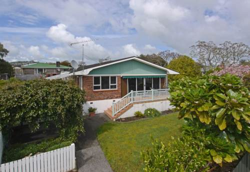 Pukekohe, SPACIOUS AND SPECIAL, Property ID: 46001103 | Barfoot & Thompson