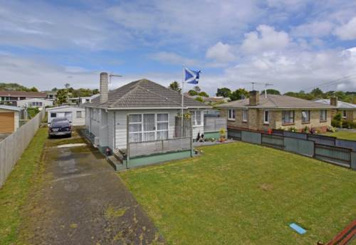 Pukekohe, HANDY TO PUKEKOHE MAIN STREET, Property ID: 46001108 | Barfoot & Thompson