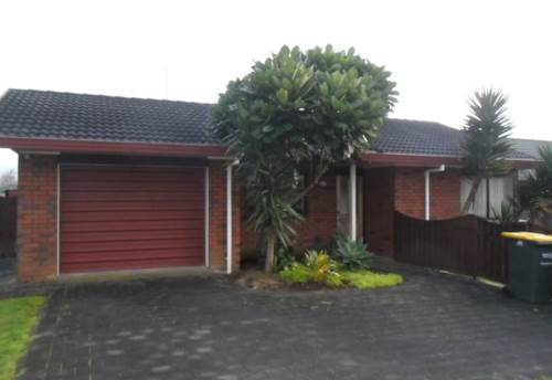 Pukekohe, LOVELY HOME - GOOD LOCATION, Property ID: 46001189 | Barfoot & Thompson