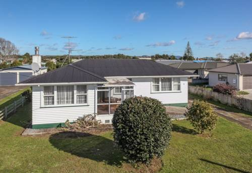 Tuakau, LOVELY FAMILY HOME, Property ID: 46001215 | Barfoot & Thompson