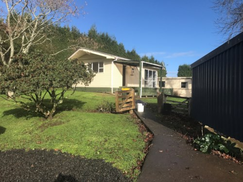 Waiuku, UNIQUE COUNTRY COTTAGE, Property ID: 46001231 | Barfoot & Thompson