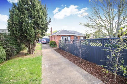 Pukekohe, NICELY RENOVATED, Property ID: 46001263 | Barfoot & Thompson