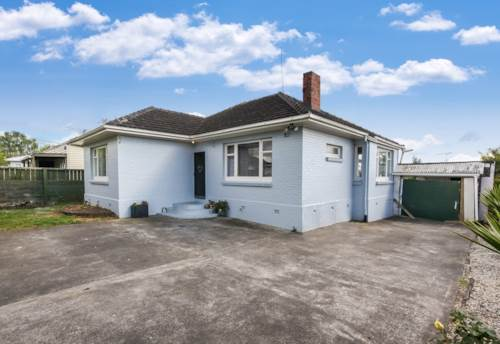 Pukekohe,  FAMILY HOME ON GOOD SIZE SECTION, Property ID: 46001292 | Barfoot & Thompson