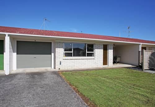 Pukekohe, IMMACULATE HOME, Property ID: 46001308   Barfoot & Thompson