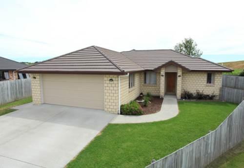Waiuku, WELL POSITIONED, Property ID: 46001356 | Barfoot & Thompson
