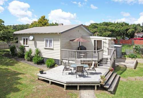 Pukekohe, Warm and cosy, Property ID: 46001374 | Barfoot & Thompson