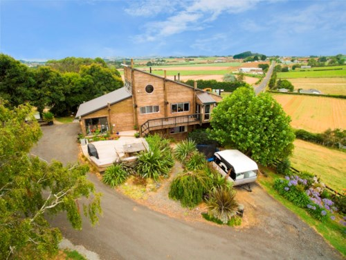 Pukekohe, RURAL PROPERTY, CLOSE TO TOWN, Property ID: 46001386 | Barfoot & Thompson