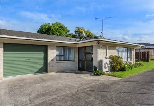 Pukekohe, WHAT A BEAUTY, Property ID: 46001411 | Barfoot & Thompson