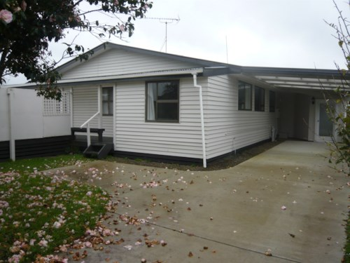 Pukekohe, GREAT FOR EXTENDED FAMILIES, Property ID: 46001436 | Barfoot & Thompson
