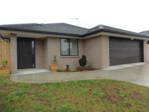 Patumahoe, NEAR NEW IN PATUMAHOE, Property ID: 46001440 | Barfoot & Thompson