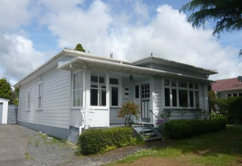 Pukekohe, WELL PRICED BUNGALOW, Property ID: 46001468 | Barfoot & Thompson