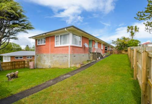Pukekohe, HILL SCHOOL ZONED, Property ID: 46001474 | Barfoot & Thompson