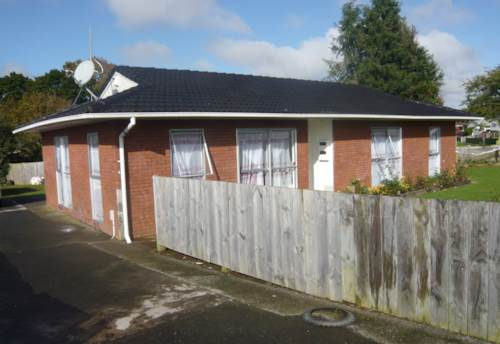 Pukekohe, SOLID BRICK HOME, Property ID: 46001482 | Barfoot & Thompson