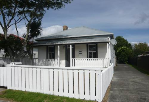 Pukekohe, NEWLY RENOVATED, Property ID: 46001525 | Barfoot & Thompson