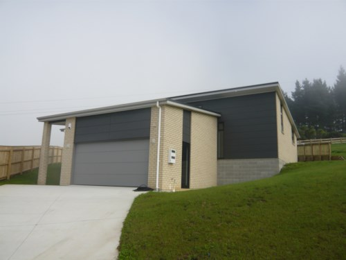 Pokeno, Near new home, Property ID: 46001526 | Barfoot & Thompson