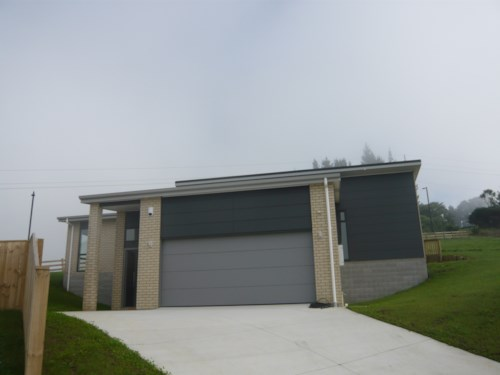 Pokeno, Near new home, Property ID: 46001526 | Barfoot & Thompson