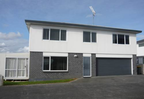 Pukekohe, LARGE MODERN HOME, Property ID: 46001530 | Barfoot & Thompson