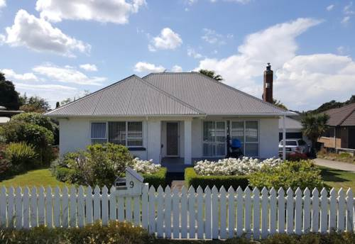 Pukekohe, CLOSE TO TOWN, Property ID: 46002535 | Barfoot & Thompson