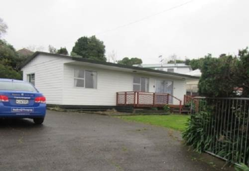Waiuku, TIDY HOME, Property ID: 46002536 | Barfoot & Thompson