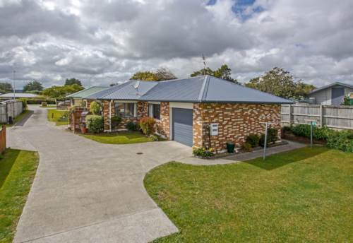 Pukekohe, COSY LITTLE HOME, Property ID: 46002565 | Barfoot & Thompson