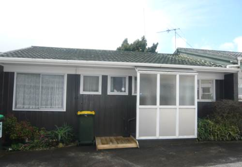 Papakura, TIDY UNIT, Property ID: 46002584 | Barfoot & Thompson