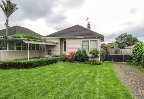 Pukekohe, LARGE FAMILY SIZED SECTION , Property ID: 46002614   Barfoot & Thompson