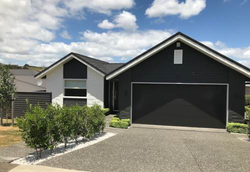 Pukekohe, IMMACULATE EX-SHOW HOME, Property ID: 46002627 | Barfoot & Thompson