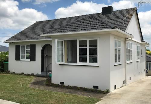 Pukekohe, LOVELY RENOVATED HOME, Property ID: 46002645 | Barfoot & Thompson