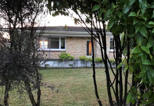 Pukekohe, HANDY LOCATION, Property ID: 46002682 | Barfoot & Thompson