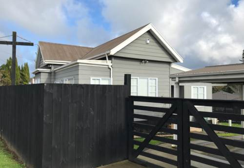 Patumahoe, CUTE AS BUNGALOW, Property ID: 46002719 | Barfoot & Thompson