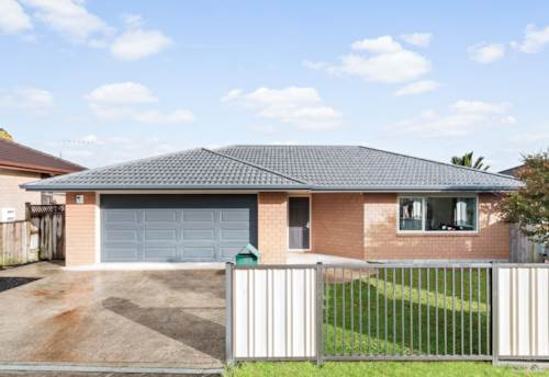 Pukekohe, IMMACULATE & CONVENIENT LOCATION, Property ID: 46002724 | Barfoot & Thompson