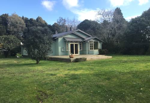 Waiuku, COUNTRY LIVING INCLUDING LAND, Property ID: 46002739 | Barfoot & Thompson
