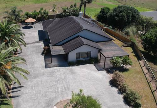 Pukekohe, COUNTRY LIVING , Property ID: 46002823 | Barfoot & Thompson